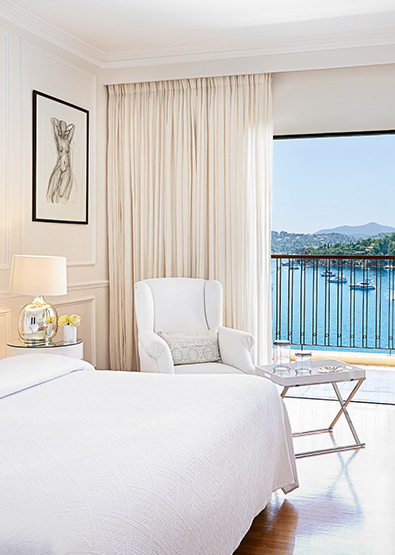 01-corfu-imperial-deluxe-guestroom-sea-view