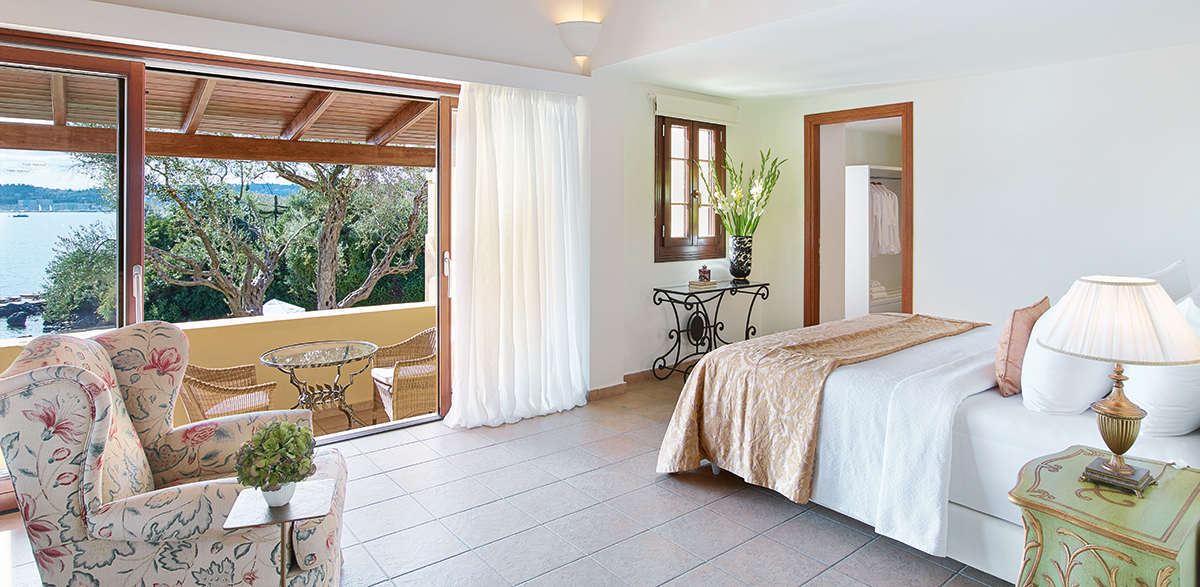 01-3-bedroom-luxury-beach-villa-corfu-imperial