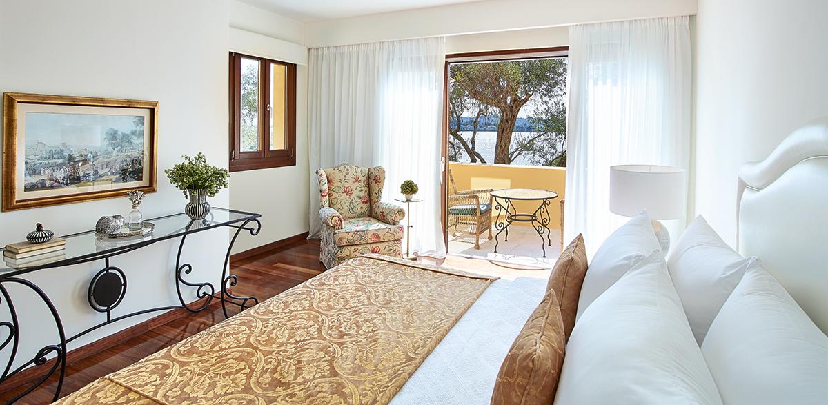 04-corfu-imperial-3-bedroom-beach-villa