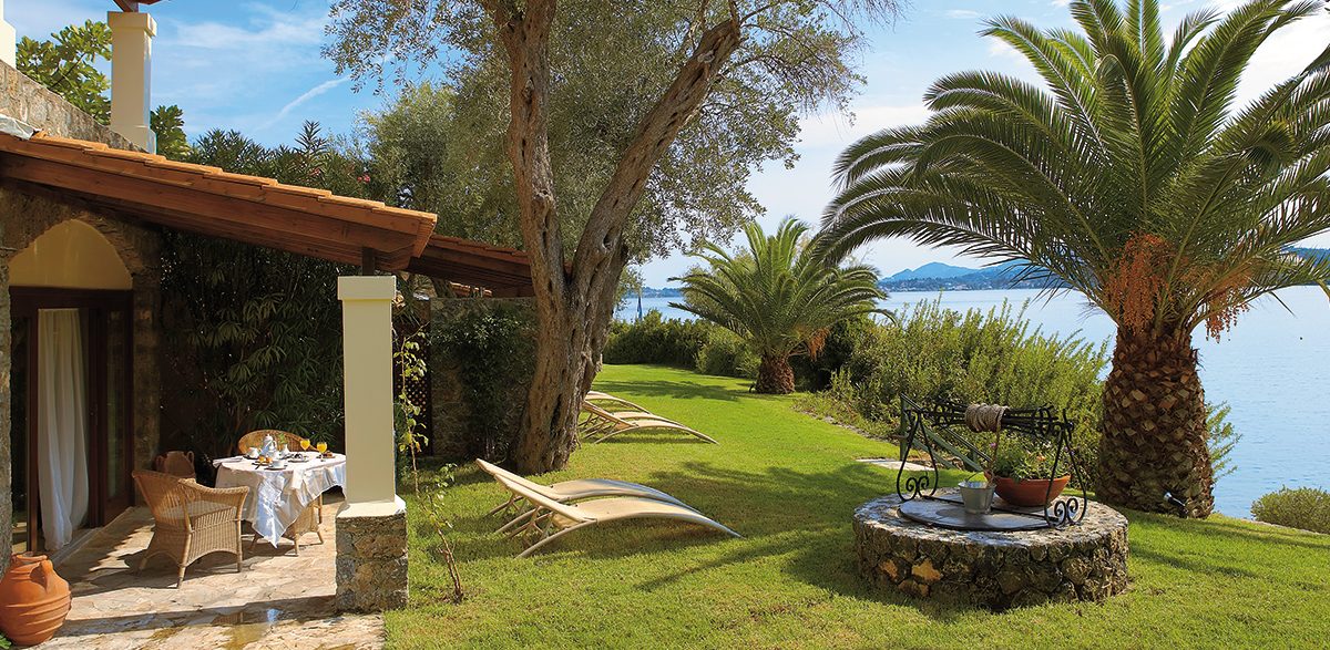 02-junior-bungalow-suite-corfu-imperial