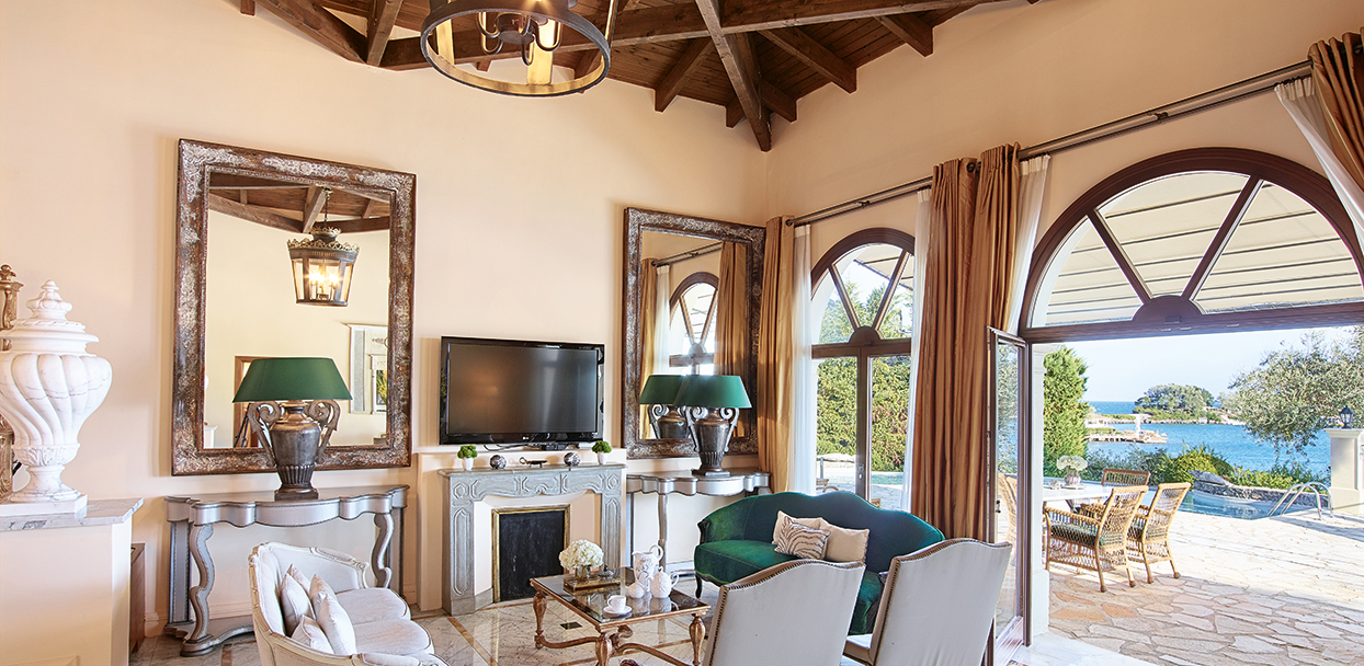 palazzo-imperiale-private-pool-corfu-imperial-accommodation