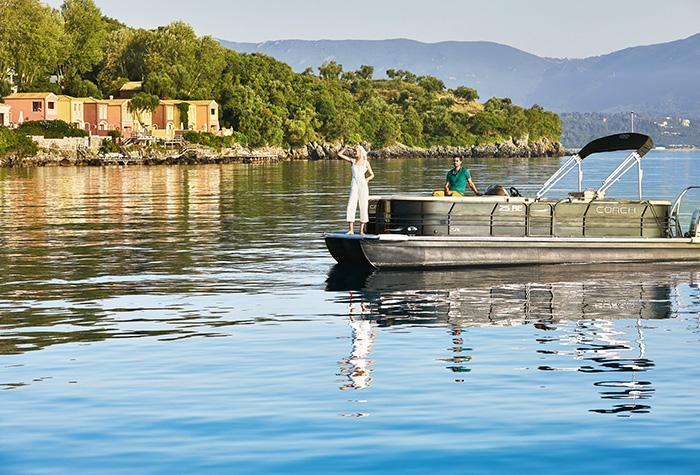 luxury-pontoon-sea-transfer-in-corfu-grecotel-hotel