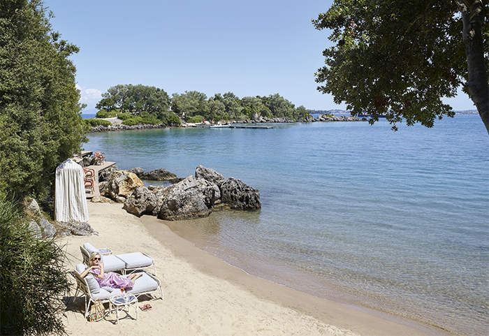 corfu-imperial-famous-class-beach-services