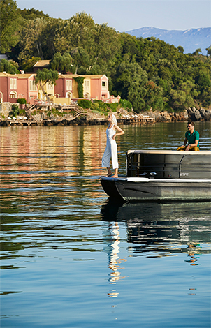 21-luxury-sea-transfer-corfu-imperial