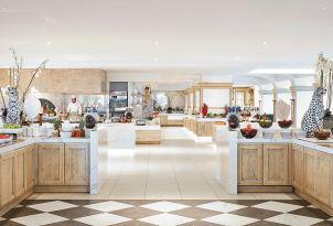 32-Mediterranean-dining-corfu-imperial-hotel