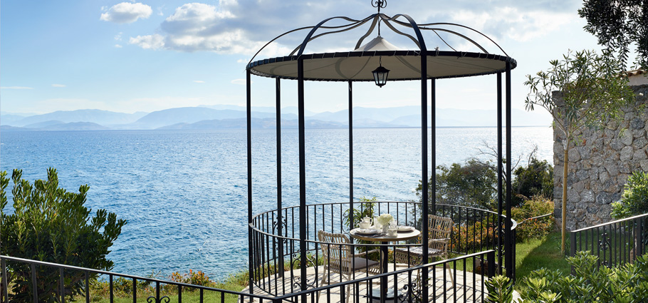 dining-experience-by-the-sea-corfu-imperial-resort