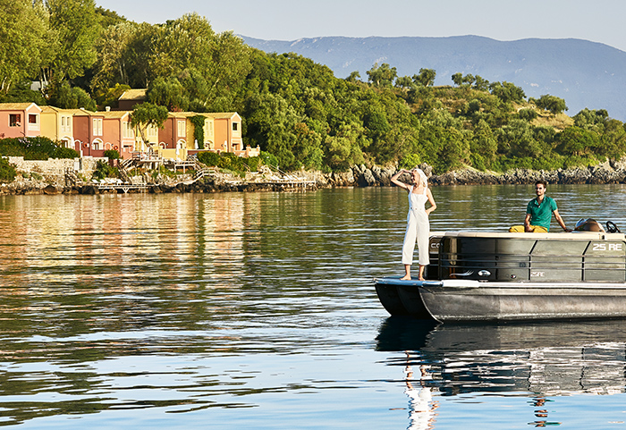 luxury-pontoon-sea-transfer-in-corfu-grecotel-hotels