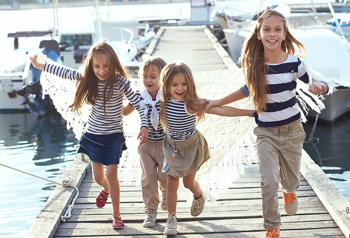 pontoon-luxury-cruises-family-fun-package