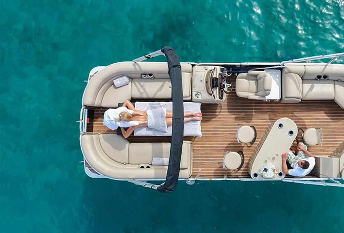 pontoon-luxury-cruises-floating-spa-package