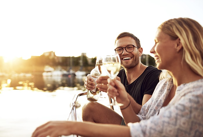 pontoon-luxury-cruises-romantic-sunset-package